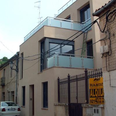 Vivienda unifamiliar con varias terrazas
