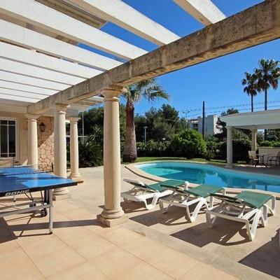 Vivienda unifamiliar de 6 dormitorios en Alicante
