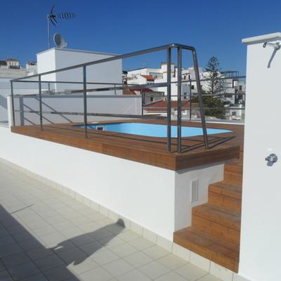 Viviendas, Locales y Garaje en C/ Huelva