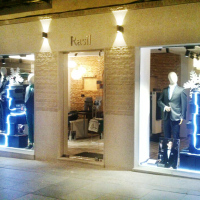 Fachada Tienda Moda hombre Rasil en Ávila