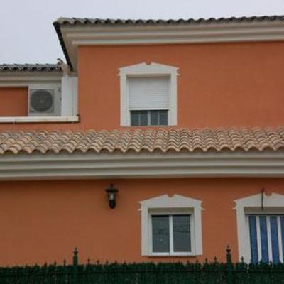 Pintura de exteriores de vivienda.