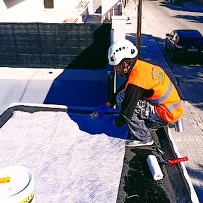 colocación fibra de vidrio en tejado
