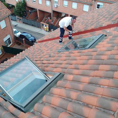 colocación de ventanas en tejado