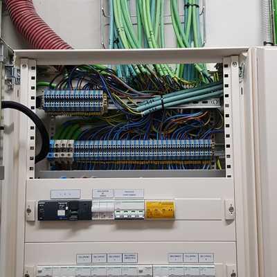 Cuadro eléctrico del Banco Mediolanum Girona