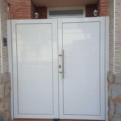Puerta de dos hojas practicables l/blanco