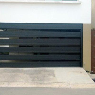 Puerta automatica salida de garaje