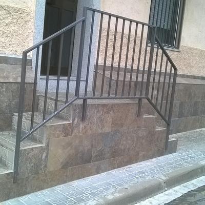 Corte de escalera alicatado exterior