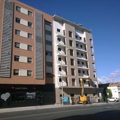 Bloque de viviendas en Avda. Ollerías. Córdoba