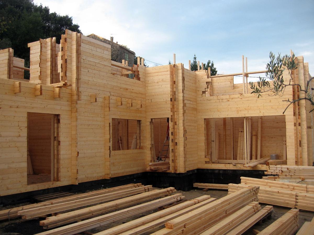 Construcción de casa de madera
