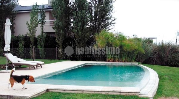 Foto mantenimiento piscinas jardiner a jardines de for Guia mantenimiento piscinas