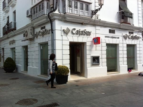 foto proyecto de reforma oficina bancaria cajasur de