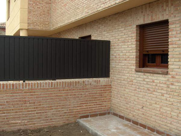 Foto detalle fachada ladrillo caravista r stico de for Fachadas de ladrillo rustico