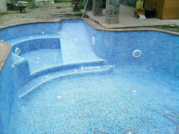 Foto construcci n piscinas revestimientos gresite for Revestimiento piscinas gresite