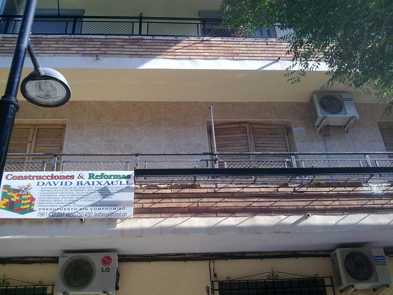 Foto alicatado de balcon obra parque alcosa alfafar for Piscina alfafar