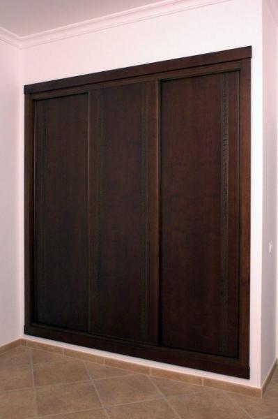 Foto armario empotrado correderas de muebles modesto for Correderas para muebles