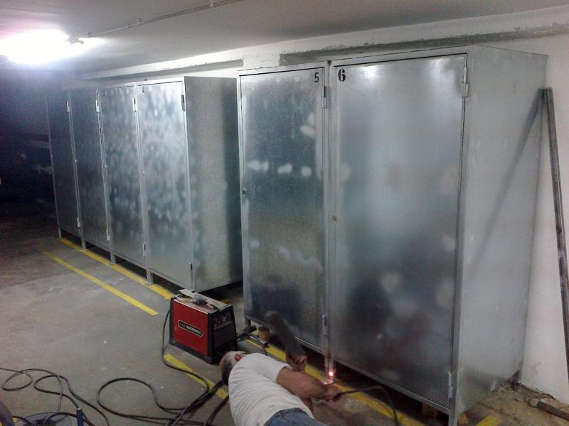 Foto armario para garage de cerrajeria miguel navarro for Casas para almacenaje