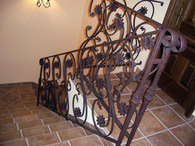 Foto barandilla de forja de cerrajeria pe a diaz 256266 - Barandillas de forja para escaleras de interior ...
