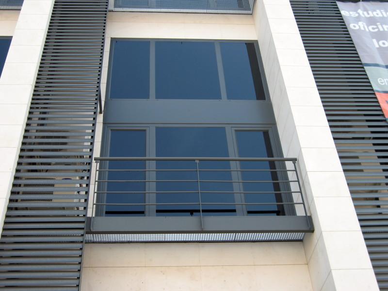 Foto Carpinteria Aluminio Celosias Y Balcones De Cerrajeria - Balcones-aluminio