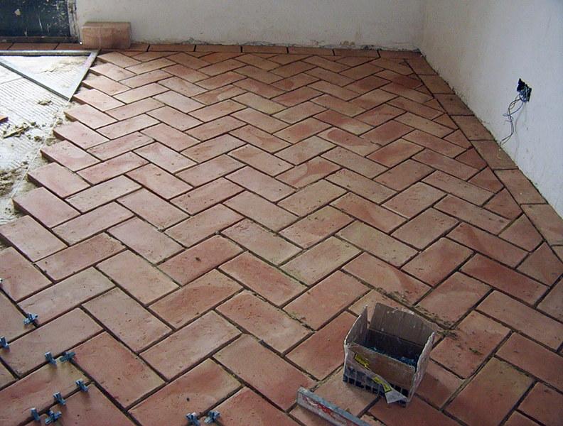 Foto casa de piedra suelos de toba en espiga de innova obres i microcement 328349 habitissimo - Suelos rusticos exterior ...