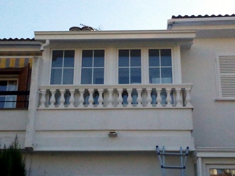 Foto cerramiento balc n pvc sch co de alumihogar 257754 - Cerramiento de balcon ...