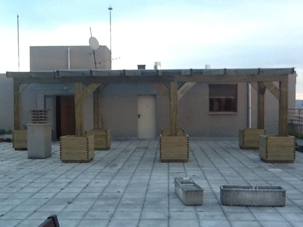 Foto cerramiento de terraza de reformamostodo 529586 for Oficinas santander almeria