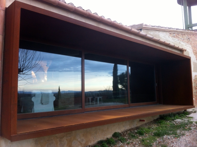 foto cierres exteriores ventanas y blaconeras de bonada