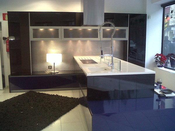 Foto cocina con isla y encimera de corian en nuestra - Encimera de corian ...