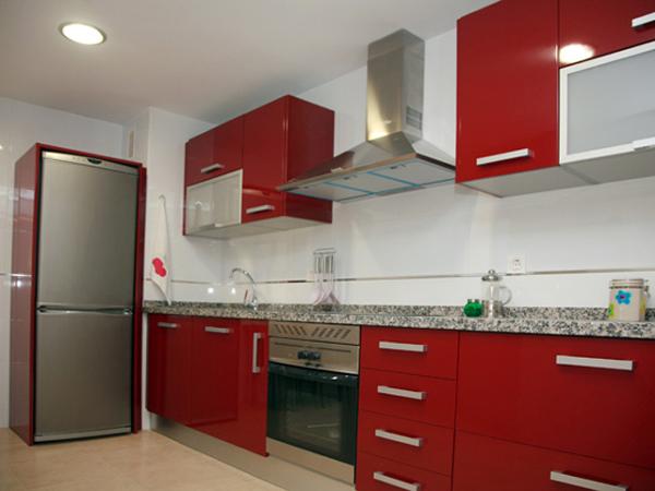 Foto cocina rojo sotf de cocinas loher 179930 habitissimo - Cocinas en rojo ...