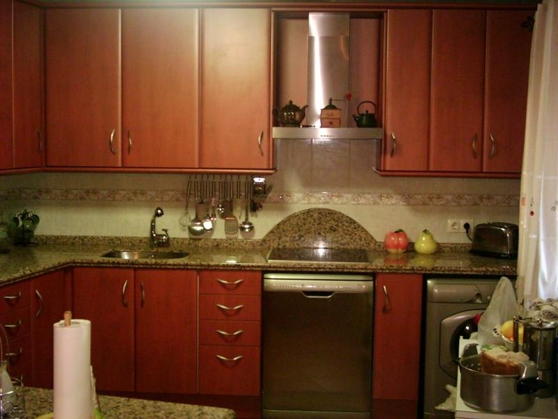 Foto cocinas a medida de ebanister a p f 210672 for Cocinas industriales a medida