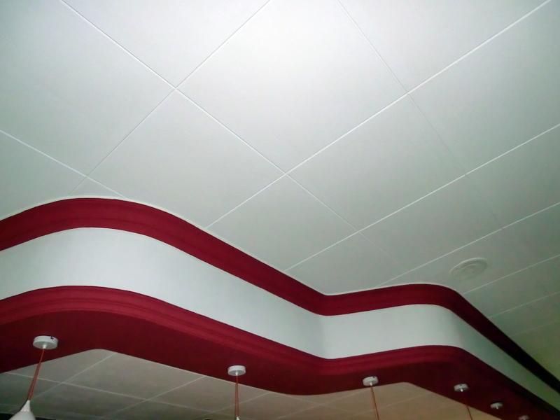 Foto colocar techos decorativos de 60x60 con molduras de - Precio moldura escayola techo ...