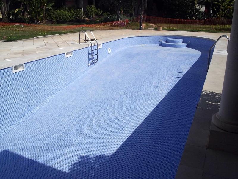 Foto construccion y reparacion de piscinas de for Reparacion de piscinas