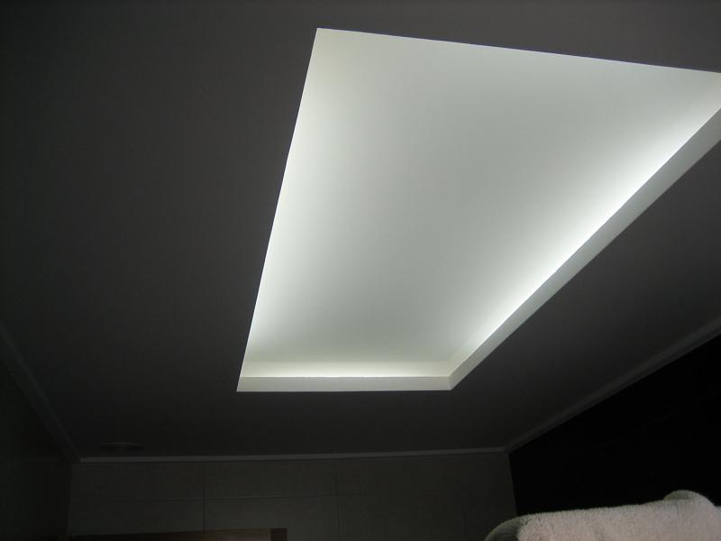 Foto cuadrado para luz indirecta luz encendida de - Cornisas para luz indirecta ...