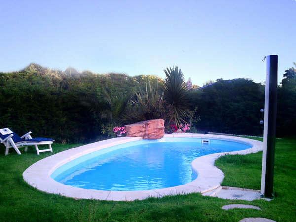 Foto delta 8 con cascada de loser piscinas toledo 256974 for Cascadas prefabricadas