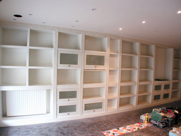 Foto dise o de librer a sal n de entorno interior 451300 for Librerias para salones modernos