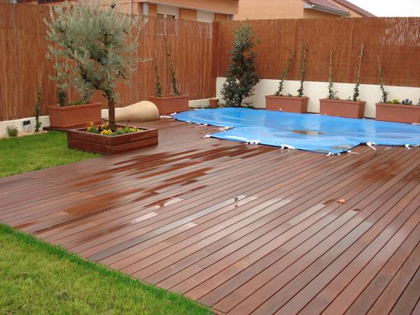 Foto tarima exterior piscina de luis arturo rodriguez for Piscinas de pvc baratas