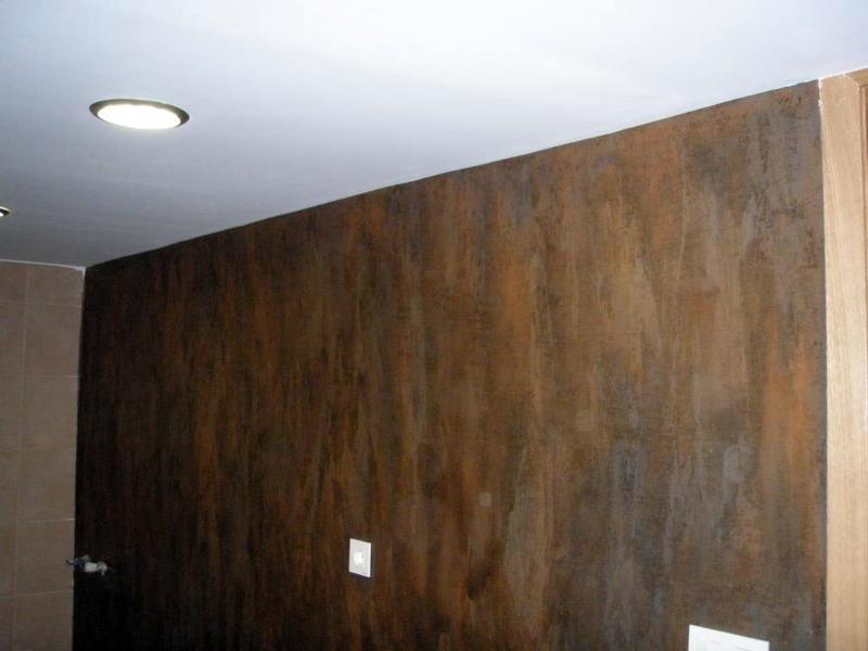 Foto efecto oxido en pared de comedor de deco hogar for Casa minimalista tarragona