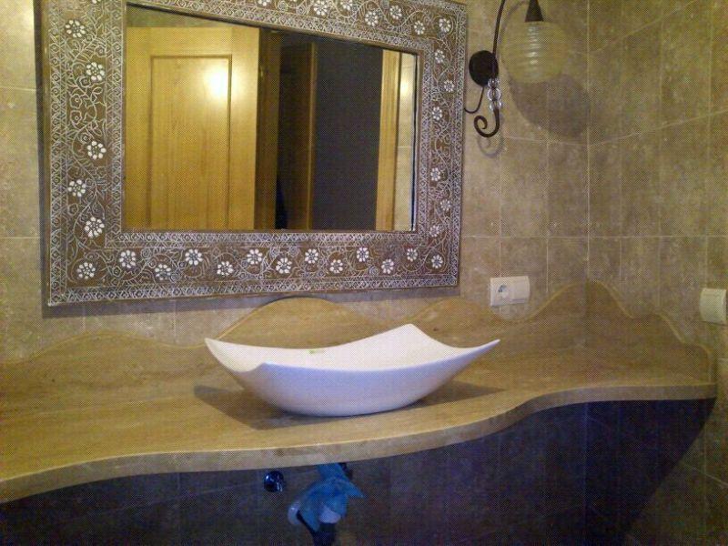 Foto encimera ba o de marmoles y granitos el espinar for Banos granitos y marmoles