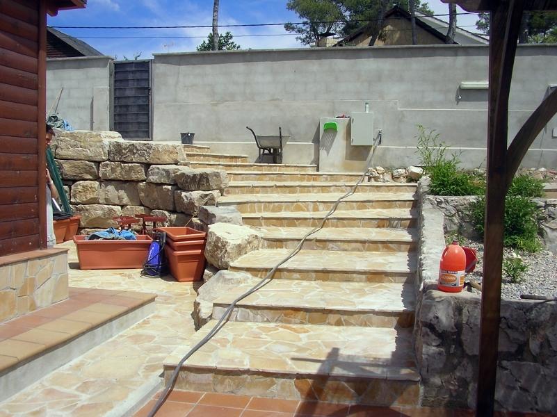 Foto escalera piedra de alcover de reformes i for Piscina alcover