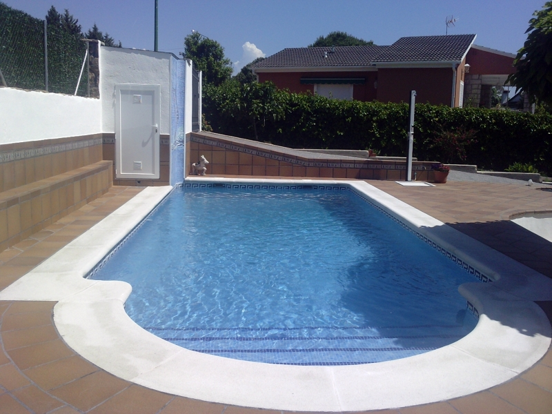 Foto escalera romana de piscinas thermapool s l 363340 for Piscina 8x4 escalera romana