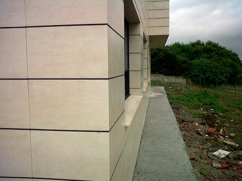Foto fachada con azulejo porcelanico de 1 nueva - Fachadas con azulejo ...