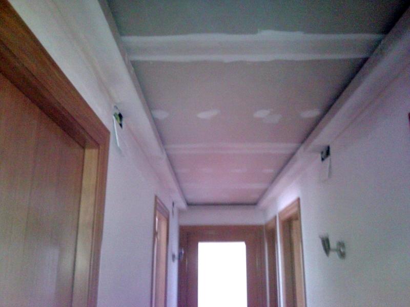 Foto falso techo con foseado para retorno de aire for Como encielar un techo