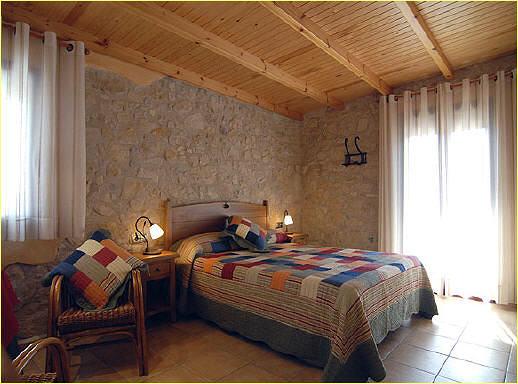 Foto habitacion rustica de mobles quer massis quer 404910 habitissimo - Decorar habitacion rustica ...