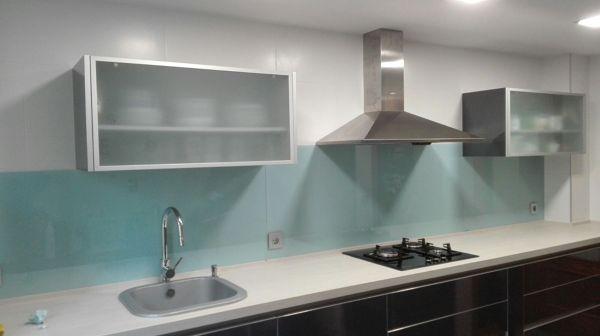 Foto aplacado cocina frontal vidrio lacado xirivella - Cocinas con pared de cristal ...