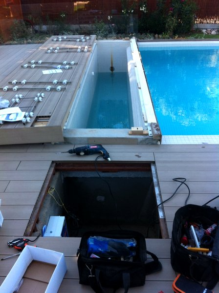 Foto instalaci n de cobertor autom tico sumergido de for Cobertor de piscina automatico