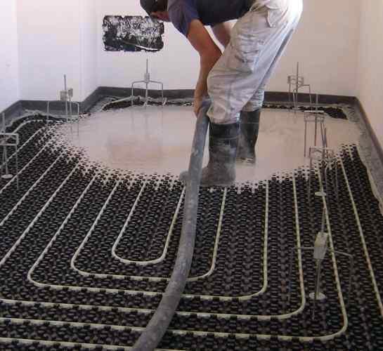 Foto instalacion de suelo radiante con anhidrita de for Precio instalacion suelo radiante