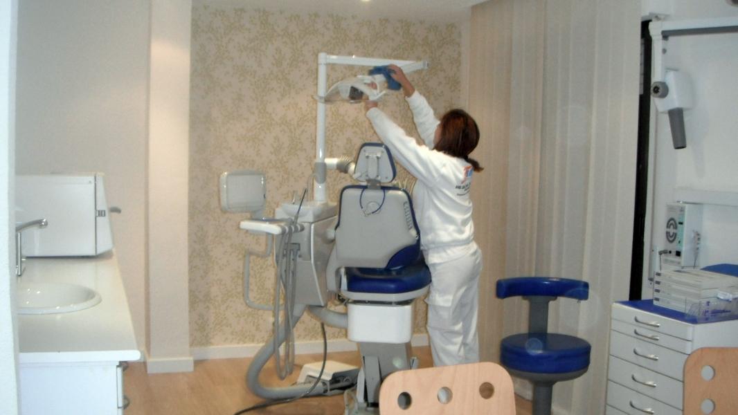 Foto limpieza de clinicas en murcia de limpiezas y for Trabajo de limpieza en murcia