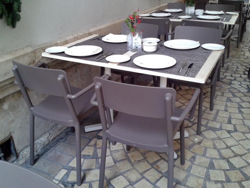 Foto mesa y sillas terraza restaurante de estudio 5s for Mesas de terraza baratas