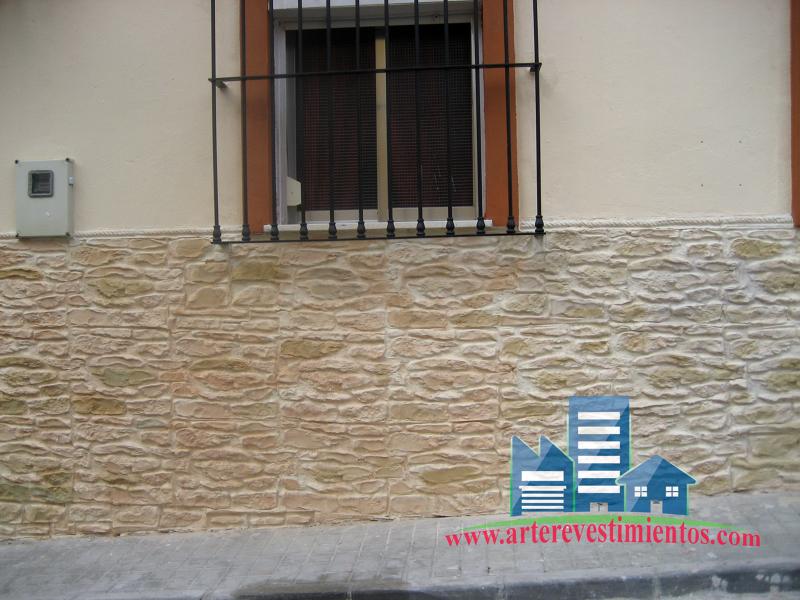 Foto mortero monocapa y zocalo mortero moldeable de for Zocalo fachada exterior