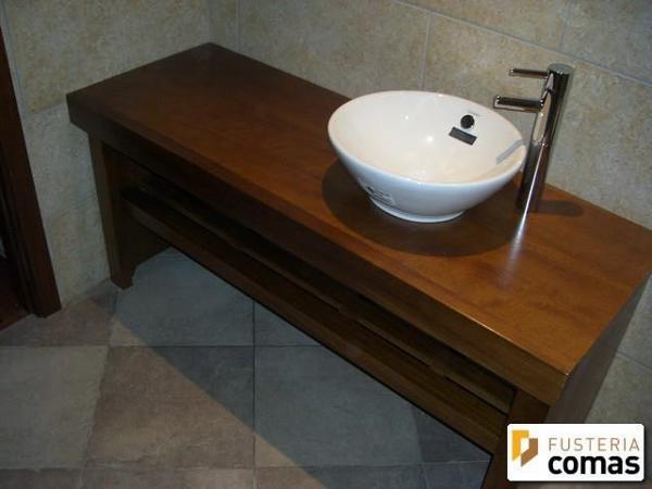 Mueble Baño Infantil:Foto: Mueble Baño en Madera Iroko de Fusteria Comas #399403