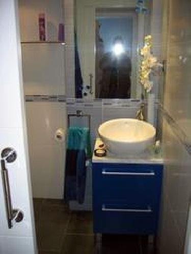 Foto mueble de lavabo lavabo sobre encimera de dise o - Mueble para lavabo sobre encimera ...